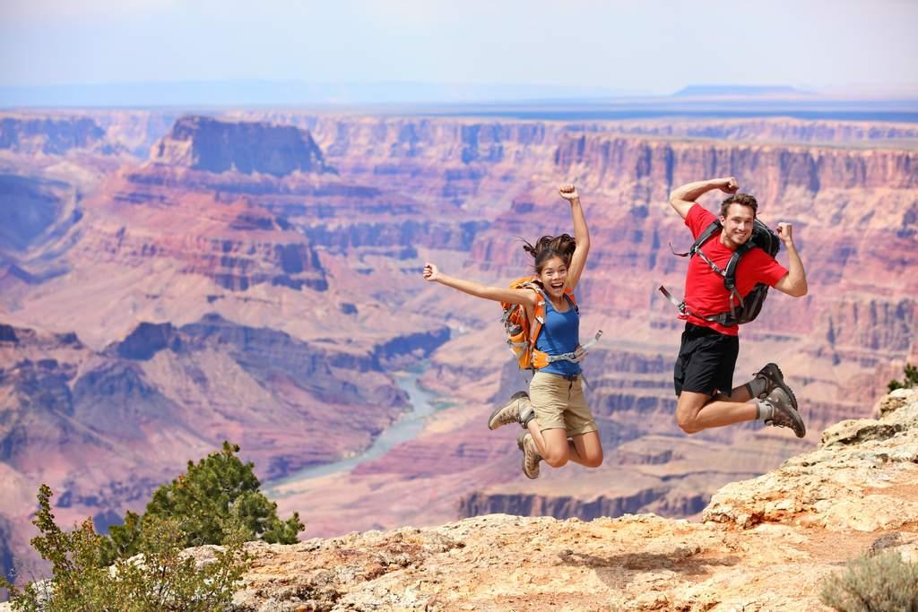 http://lasvegassuites.com/wp-content/uploads/2016/10/Grand-Canyon-South-Rim-Bus-Tour-635841089456025331.jpg